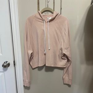 Cropped pink hoodie from H&M